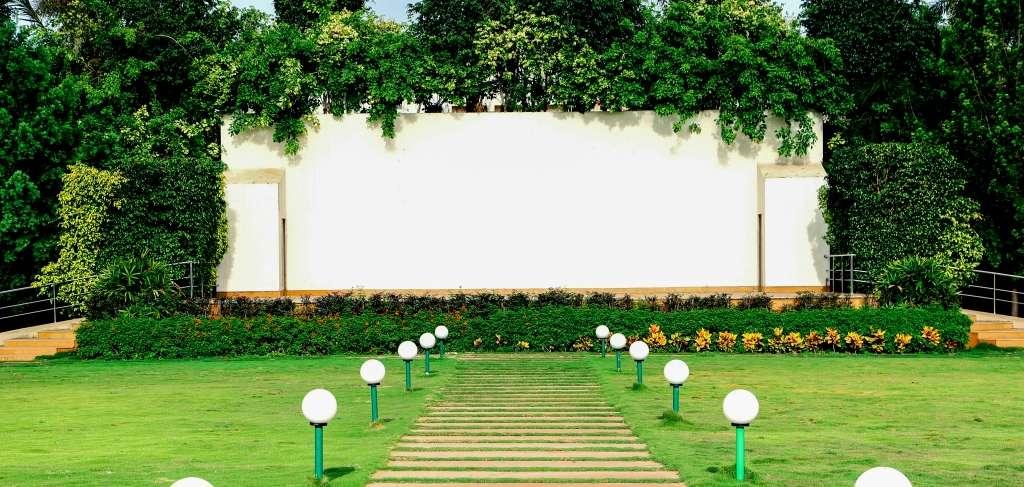 Yashodhan - Lawns